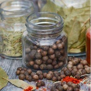 krydderier og urter